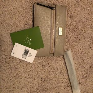 New Kate Spade Wristlet- With tags